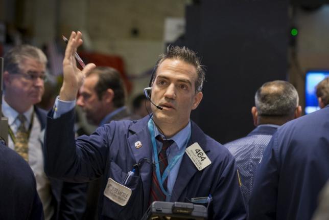 Wall Street Anjlok 1% Lebih
