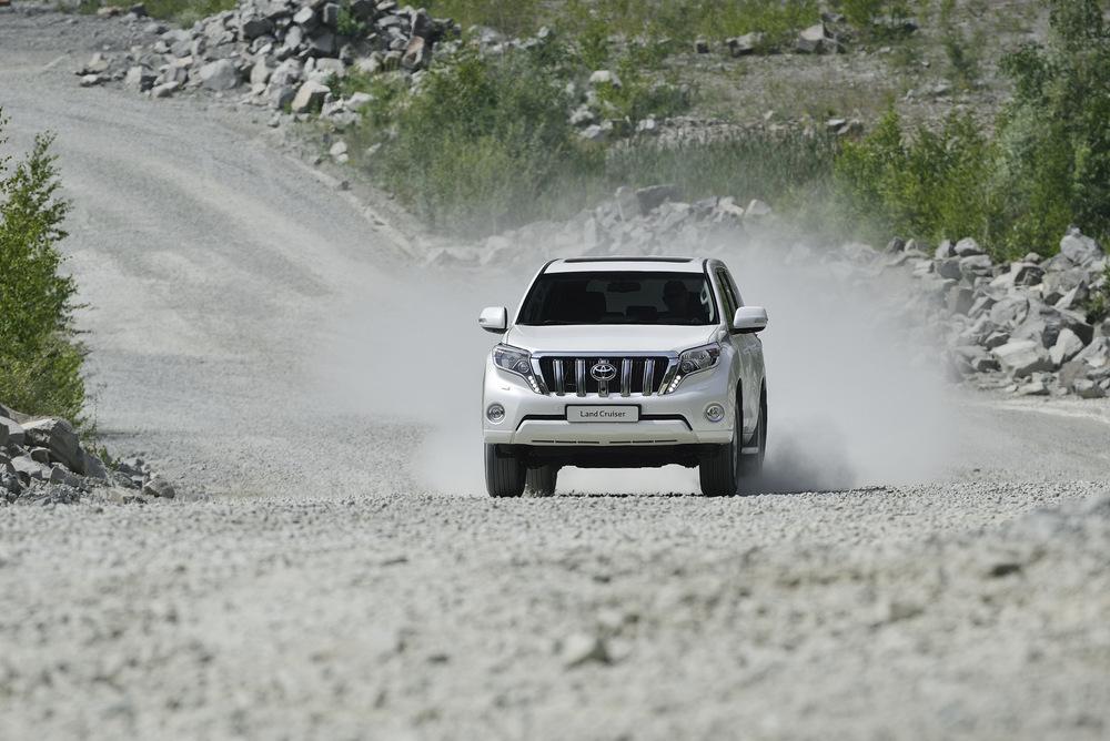 Toyota Land Cruiser Bermesin 2.800 cc, Irit Tapi Torsi Lebih Oke