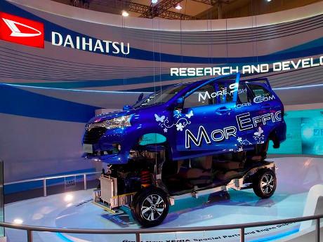 Xenia dan Pikap Gran Max Andalan Daihatsu