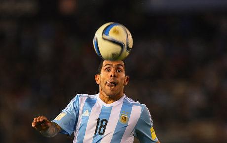 Tevez Ada Bukan untuk Menggantikan Messi