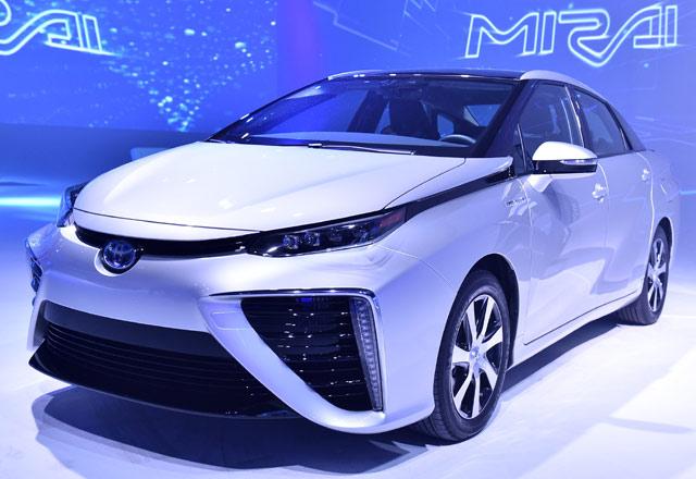 Toyota Mirai ala Back to The Future