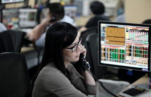 Laporan Keuangan Perusahaan Dorong Wall Street Menguat