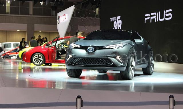 Melihat Lirikan Compact Crossover Toyota C-HR