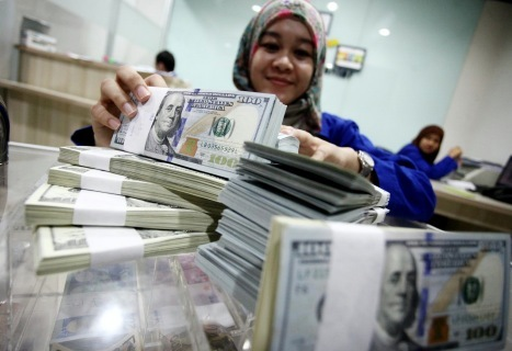 Dolar AS Pagi Ini Meluncur ke Rp 13.500-an