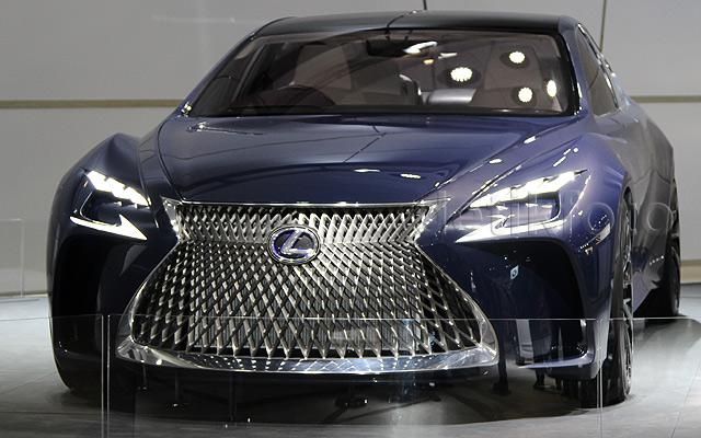 Si Canggih Lexus LF-FC