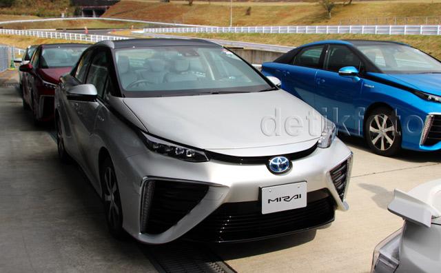 Bersentuhan Langsung dengan Toyota Mirai
