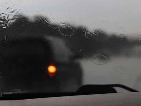 Hadapi Musim Hujan, Ini Tips dari Rifat Sungkar