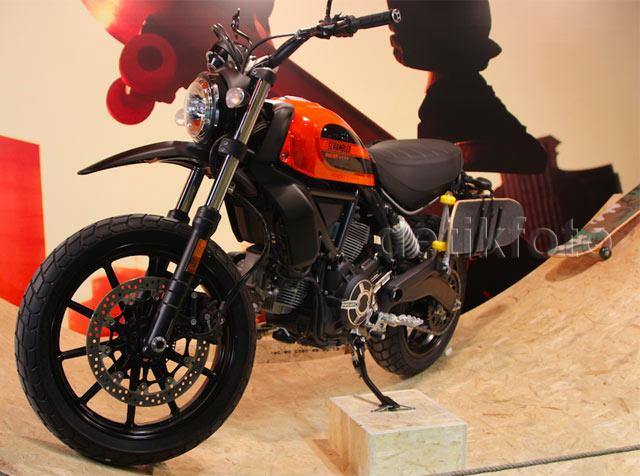 Ducati Scrambler Sixty2 Nan Keren