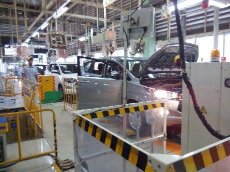 Produksi Toyota Innova Pakai 80 Robot Baru