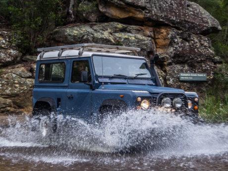 Setelah 57 Tahun, Produksi Land Rover Defender Diakhiri