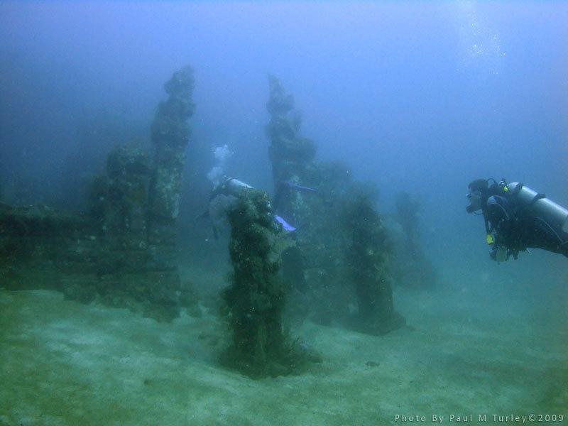 Kisah Pura di Bawah Laut Bali