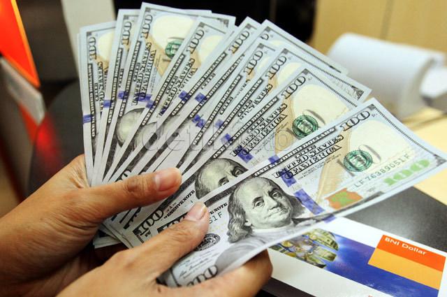 Dolar AS Pagi Ini Rp 13.735