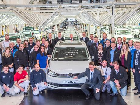 VW Rayakan Angka Produksi 43 Juta Unit