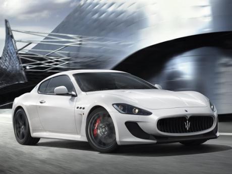 Grendel Pintu Bermasalah, 300 Unit Maserati Gran Turismo Ditarik