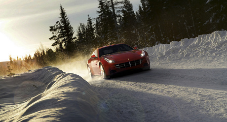 Ganti Tampang, Ferrari FF Tetap Gunakan Mesin V12