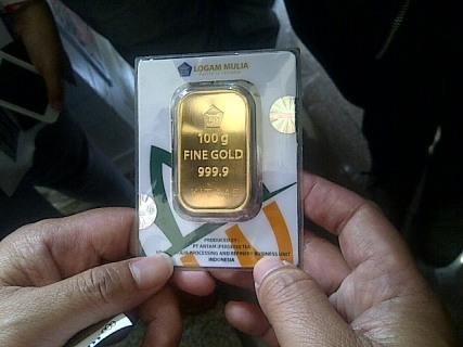 Harga Emas Antam Turun Rp 1.000 ke Rp 547.000/Gram