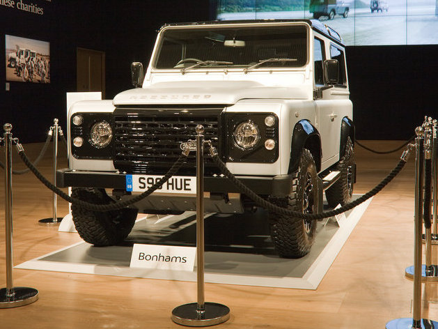 Land Rover Defender ke-2 Juta Ini Laku Rp 8,4 Miliar