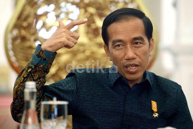 Jokowi Resmikan Pembangkit Listrik Tenaga Surya Terbesar di Indonesia