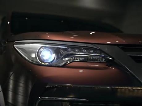 Goda Konsumen, Toyota Obral Teaser Fortuner Anyar