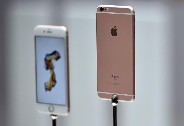 Apple Ubah Desain iPhone, 200 Ribu Orang Protes