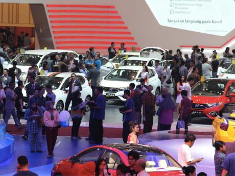 Penjualan Mobil Tahun Ini Diperkirakan Naik Tipis