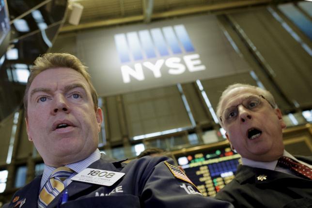 Wall Street Naik Tipis