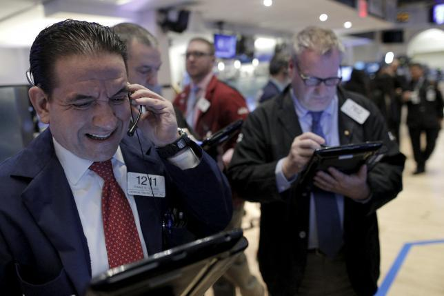 Wall Street Naik 1% Lebih