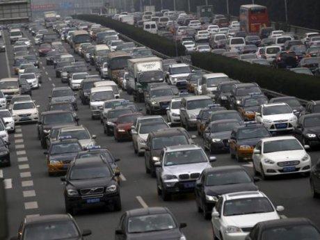 China akan Berlakukan Sertifikasi Mobil Asing, Pabrikan Resah