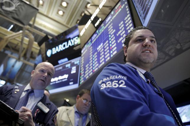 Minyak Lompat 8%, Dow Jones Naik 1% Lebih