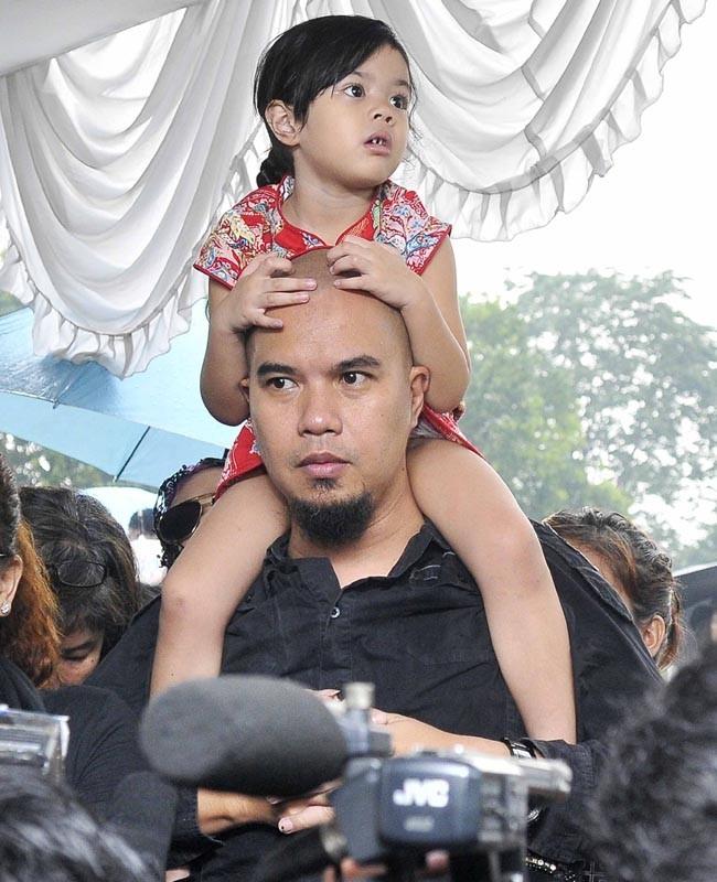 Ahmad Dhani dan Shafeea