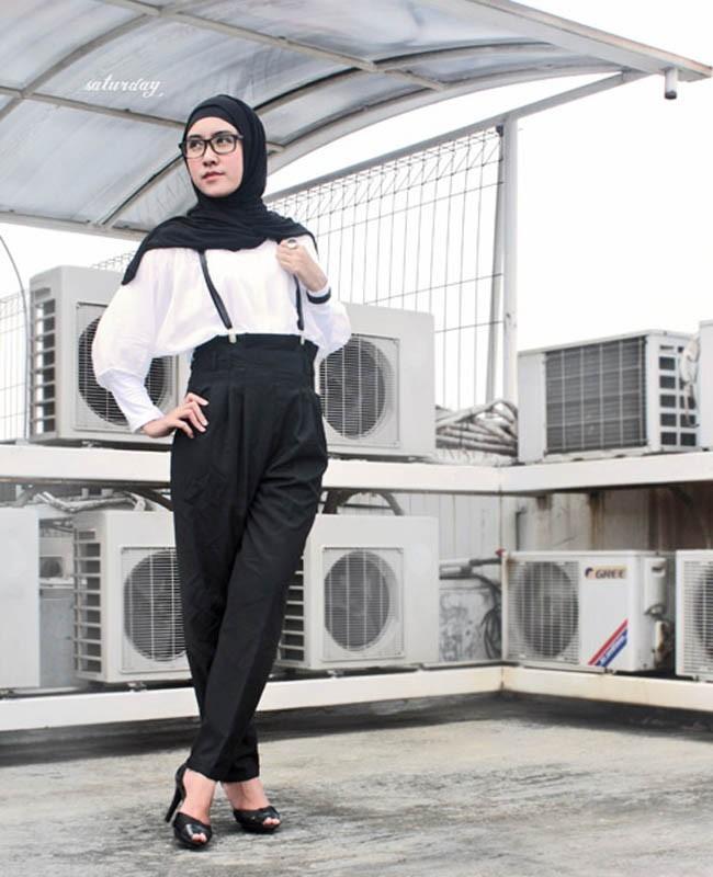 Style Baju Hitam Putih Hijab