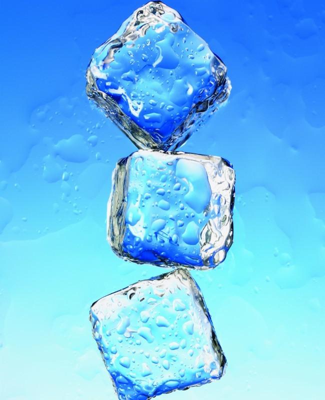 Tips Bedakan Es Batu dari Air Matang dan Mentah