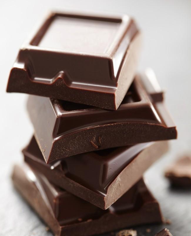 Makan Mi Instan dan Cokelat Bersamaan Bikin Keracunan