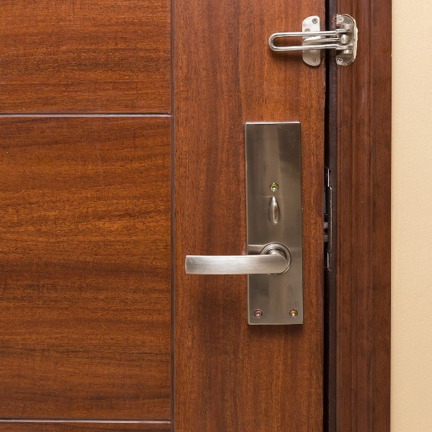 Selalu Kunci Pintu Kamar Hotel