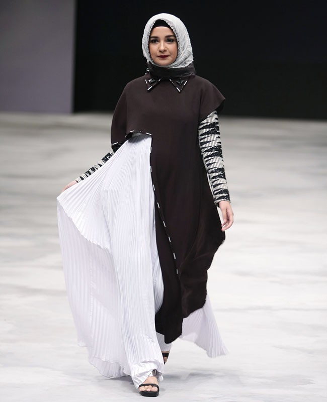 30 Gaya Selebriti Di Indonesia Fashion Week 2016