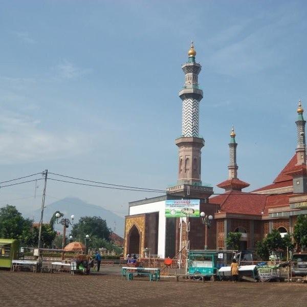 Alun-alun Masjid At Taqwa Cirebon