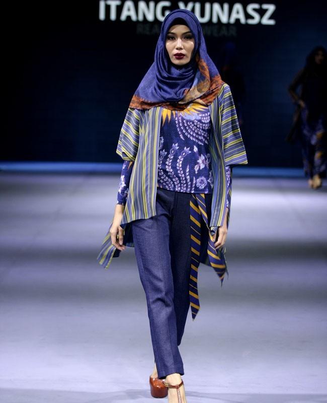 Model Baju Batik Semi Formal: 25 Padu Padan Tampil Stylish Dengan Kain Indonesia