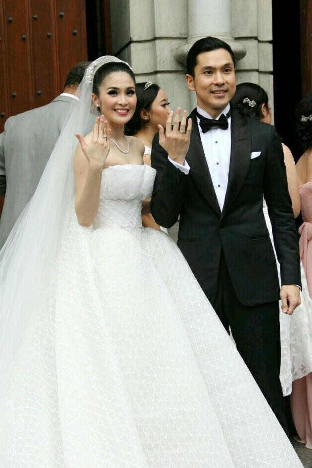 Pernikahan Dua Negara Sandra Dewi dan Harvey Moeis