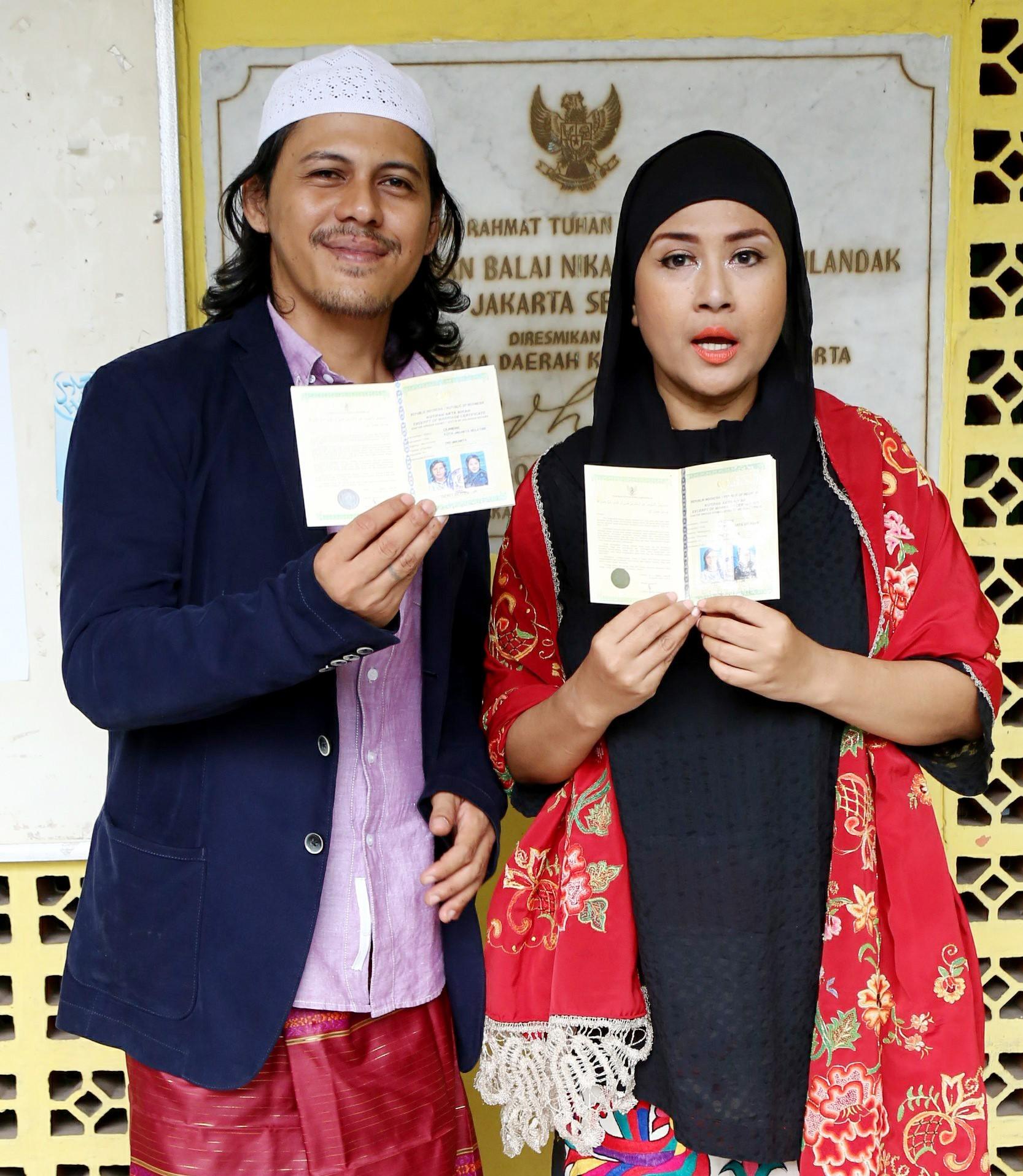 Pernikahan Ria Irawan dan Mayky Wongkar