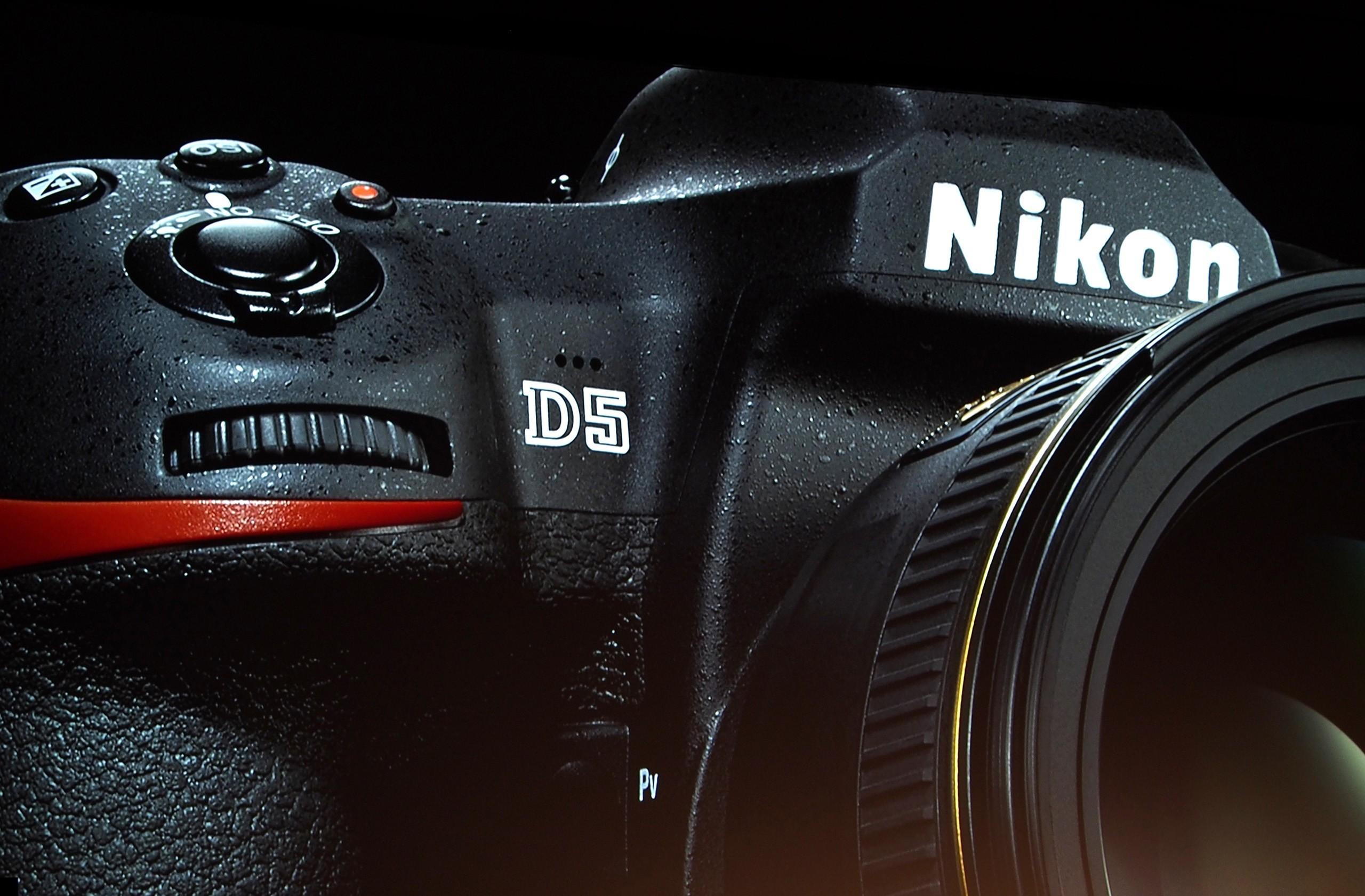 Nikon D5 - Rp 86 juta