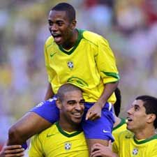Adriano Hat-trick, Brasil Berangkat ke Jerman