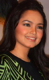 Siti Nurhaliza Seronok!