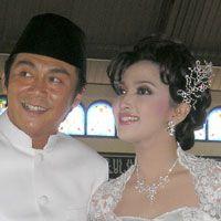 Sidang Cerai, Willy Dozan Semobil Bareng Istri
