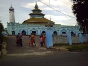 Aneka Budaya di Wajah Masjid Raya Ganting