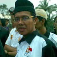 Irwan Prayitno Berjuang untuk Guru Bantu