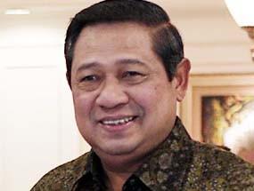 SBY Puji Hasil Lukisan Karya Anak-anak SD
