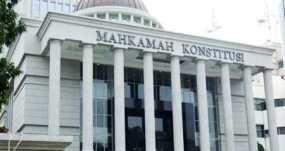 Didatangi 80 Orang, MK Diminta Tidak Pengecut
