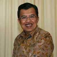 JK-Boediono Salat Jumat Bersama di Sunda Kelapa