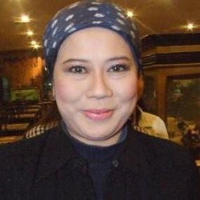 Ray Sahetapy Tak Urusi Pernikahan Dewi Yull