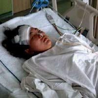 Berurai Air Mata, Mama Maisy Jenguk Listia di RS